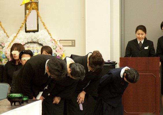 葬儀司会・アテンダーのイメージ